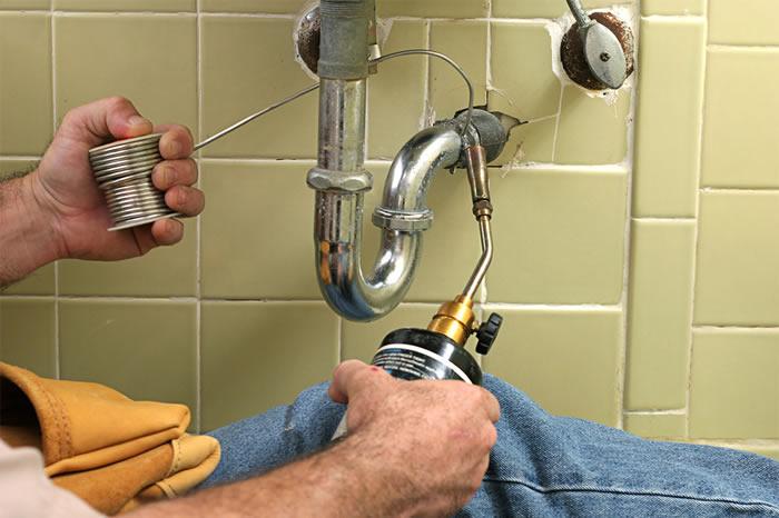reparation sanitaire et petits travaux